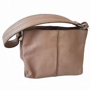 2b0bdd98470a Furla Sac à main   MyPrivateDressing vide dressing suisse luxe online  Achetez et vendez entre