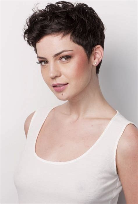 simple hairstyles for curly short hair 26 simple hairstyles for short hair 2020
