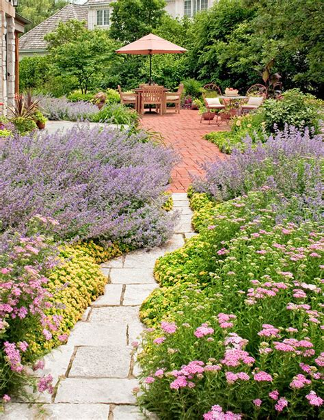 country garden traditional landscape chicago