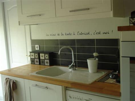 autocollant pour cuisine autocollant pour carrelage cuisine maison design bahbe com