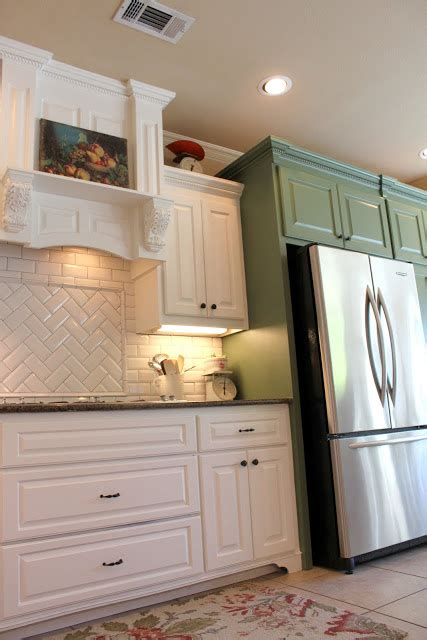 kitchen cabinets and backsplash it s a wannabe decorator s kitchen reveal finally 5893