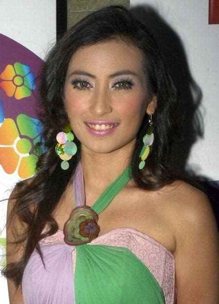 foto sexy artis model indonesia