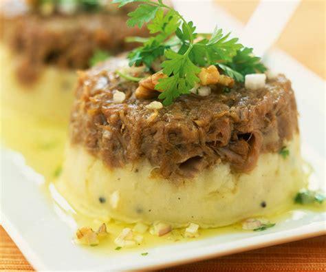 salade verte cuite recette cuisine le parmentier de queue de bœuf une recette de cyril lignac