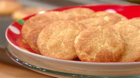 I was looking for a raw cookie dough; Trisha Yearwood's Snickerdoodle Cookies | Snicker doodle ...