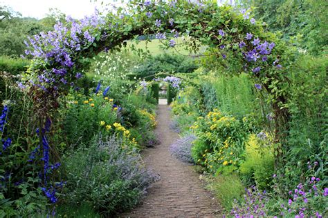 Garden : Wallington Hall, Cambo, Northumberland