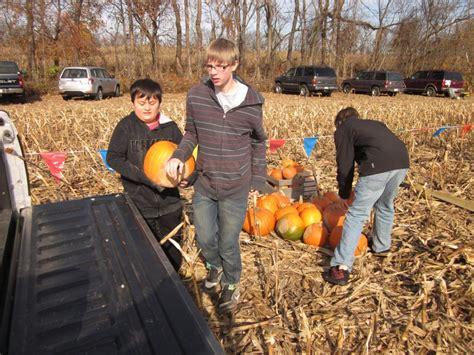 28 scouts get pumpkin chunkin u0027 event krelman