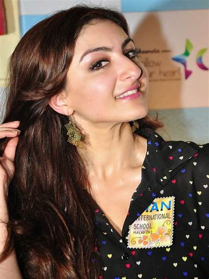 Actress Soha Ali Khan Bollywood Wallpapers