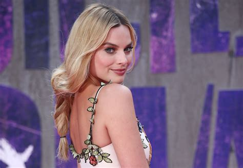 rabbit air squad margot robbie to act in period