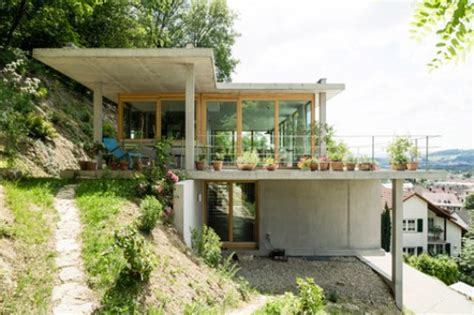 contoh model rumah minimalis  lantai  tepi bukit