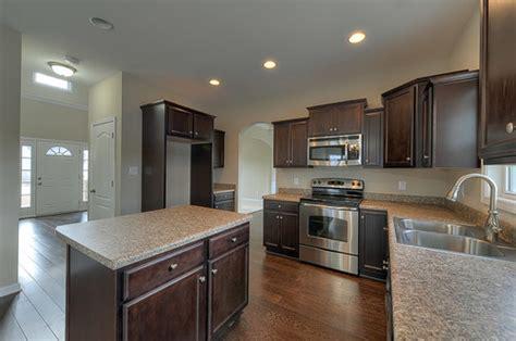 kitchens without backsplash backsplash yes or no help 3578