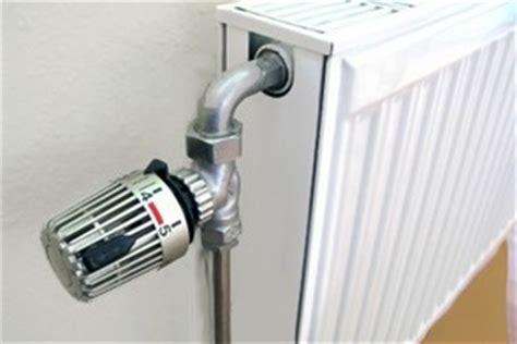 heizung entlüften ohne ventil heizung entl 252 ften in 4 schritten erkl 228 rt