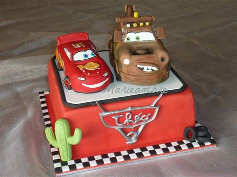 decoration gateau flash mcqueen g 226 teau cars avec martin et flash mcqueen le de marieambre