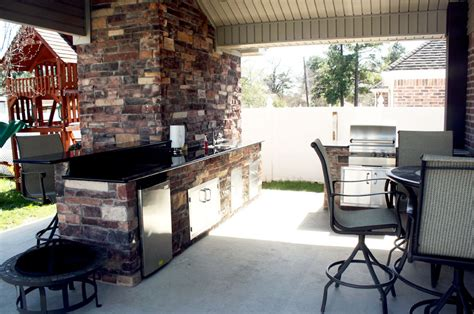 fieri backyard kitchen design fieri outdoor kitchen back gt gallery for gt fieri 6972