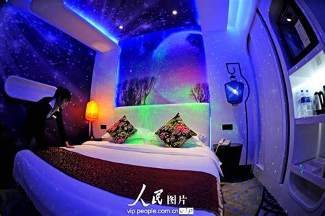 chambre buzz l lair un hôtel s 39 inspirant de la capsule aéronautique fait le buzz