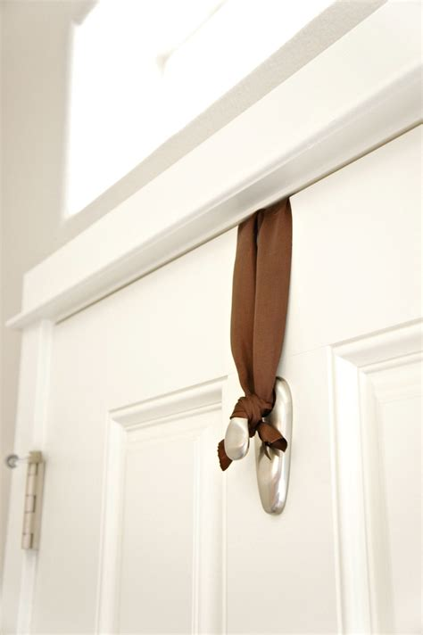 how to hang a door pretty dubs how to hang a door wreath without nails