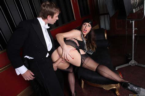 Smoking Hot Burlesque Dancer Likes Casual Sex Photos Paige Turnah Danny D MILF Fox