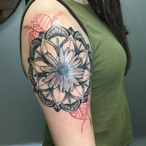 85+ Best Daisy Flower Tattoo  Designs & Meaning (2018