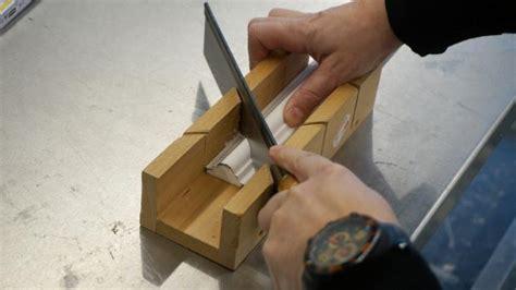 tipps für gehrung schneiden stuckleisten auf gehrung schneiden deckenleisten auf gehrung schneiden anleitung fachartikel