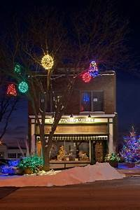 The, Best, 40, Outdoor, Christmas, Lighting, Ideas, That, Will, Leave, You, Breathless