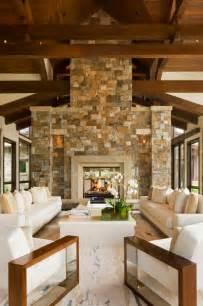 steinwand wohnzimmer beispiele alte holzbalken und steinwände garantieren eine warme atmosphäre