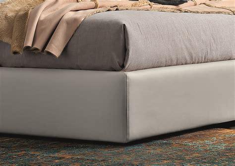Elegant Leather Platform And Headboard Bed Minneapolis