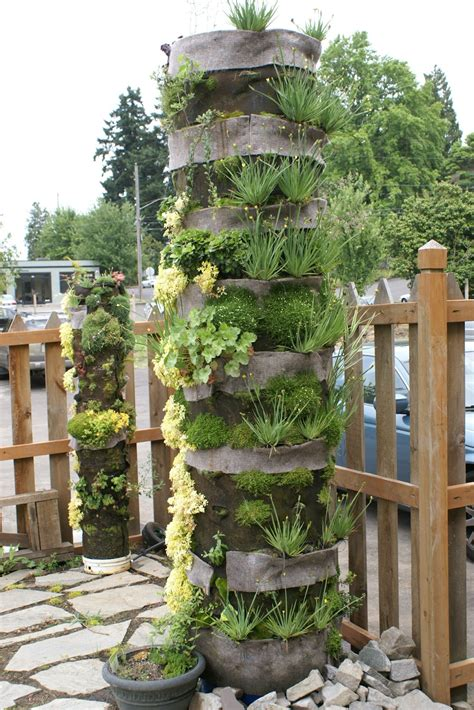What Are Vertical Gardens by Deformutilation Vertical Gardens
