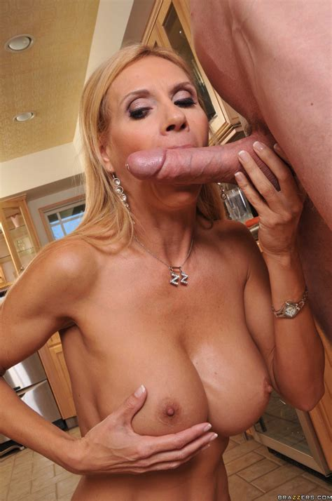 Sexy Blonde Milf Getting Fucked By Huge Cock Pichunter