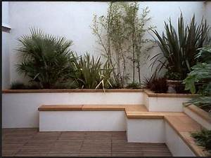 Rendered white garden wall ideas how pistonheads for White garden walls