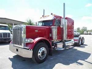 Peterbilt 379 Extended Hood  2000    Sleeper Semi Trucks