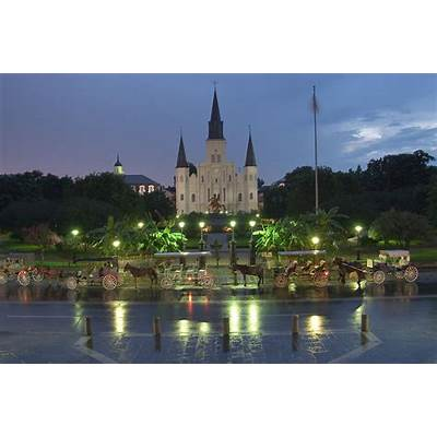 Jackson Square New Orleans - search in pictures