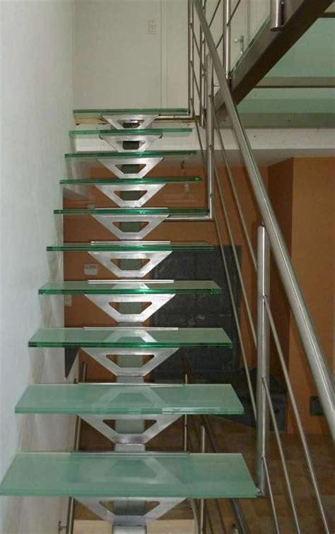 escalier et passerelle en verre et inox de vdv ferronnerie