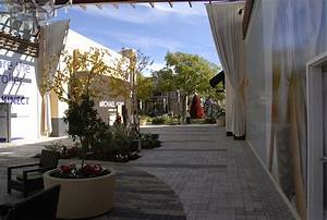 Westfield Valencia Town Center - The Patios
