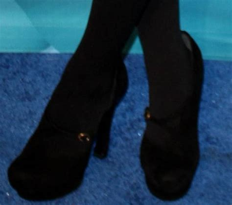 eliza dushku vk celebrity legs and feet in tights eliza dushku s legs and