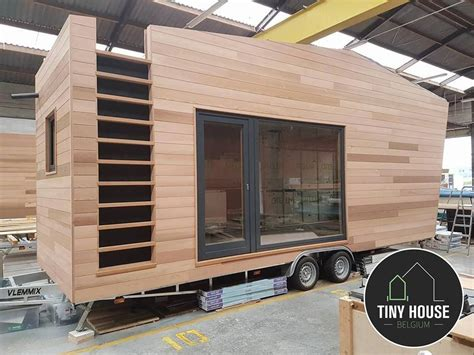tiny house anhänger kaufen a sleek modern tiny house on wheels designed by tiny house belgium for the pop up hotel