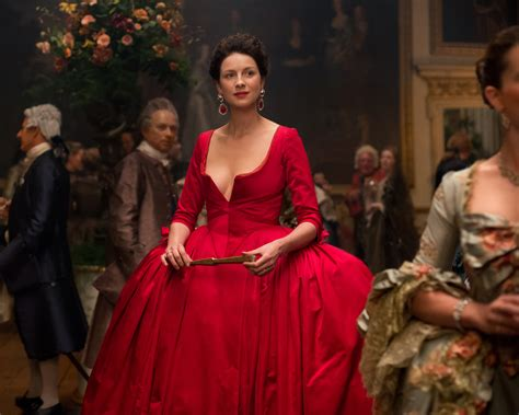 'Outlander' Season 2: How Designers Nailed The Glam 18th ...