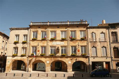 Hôtel De Ville De Bagnolssurcèze — Wikipédia