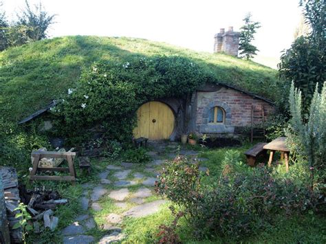 hobbit house architecture hobbithouses