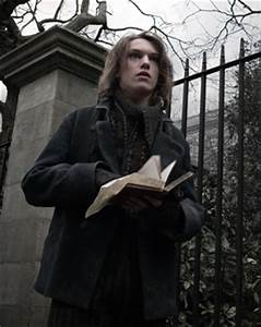 Pretty Unextraordinary: Jamie Campbell Bower is Jace Wayland