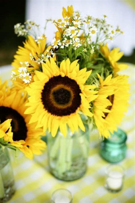 tischdeko mit sonnenblumen faszinierende dekoideen mit sonnenblumen archzine net