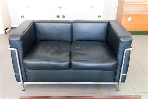 Ruempelstilzchen  Le Corbusier Lc2  2er Sofa