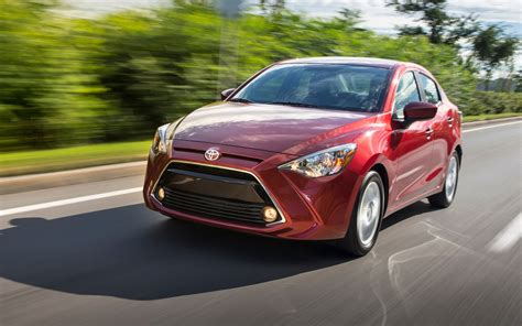 Toyota Yaris Wallpapers by Toyota Yaris Hatchback 2017 Hd Wallpapers