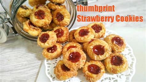 These cute little thumbprint cookies are easy to make with a dollop of your favorite jam! Resep Strawberry Thumbprint Cookies - YouTube