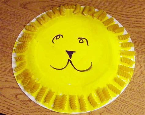 paint  paper plate yellow daniel oconnell  lion