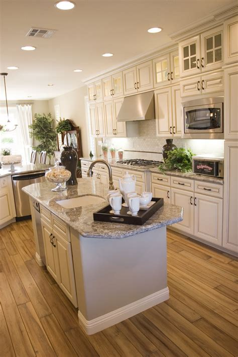 Modern elegant kitchen   Modern kitchen with granite