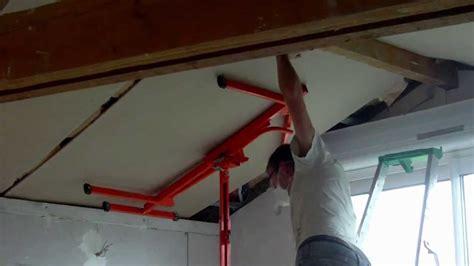 Montage Von Gipskartondecke Unter Dachschrägen Mit