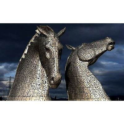 Video: The Kelpies: two horse head sculptures unveiled in