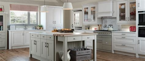 classic country kitchen classic kitchens kent kitchens dover kitchens folkestone 2219
