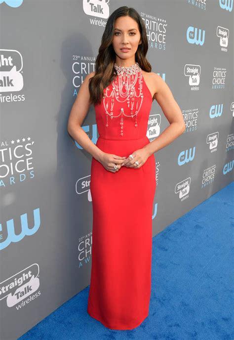 Heidi Klum Near Intimates Flash Critics Choice Awards
