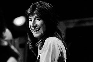 Best Lights In Los Angeles How A Last Minute Steve Perry Edit Changed 39 Lights 39 Forever