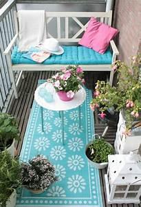 Sitzbank Mit Stauraum Für Balkon : ein farbiger terrassenteppich wird ihren balkon sch n ~ Michelbontemps.com Haus und Dekorationen